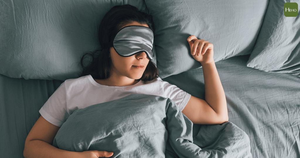 紋眼線後睡眠要充足